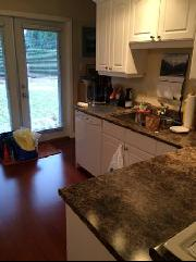 2 Bedroom Suite in House in Kerrisdale with direct bus to UBC
