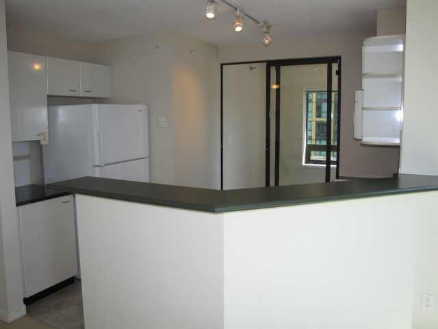 Photo Gallery For Bachelor Apartment In Coal Harbour