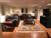 Deluxe Funished 2-Bedroom Suite in House in Kerrisdale