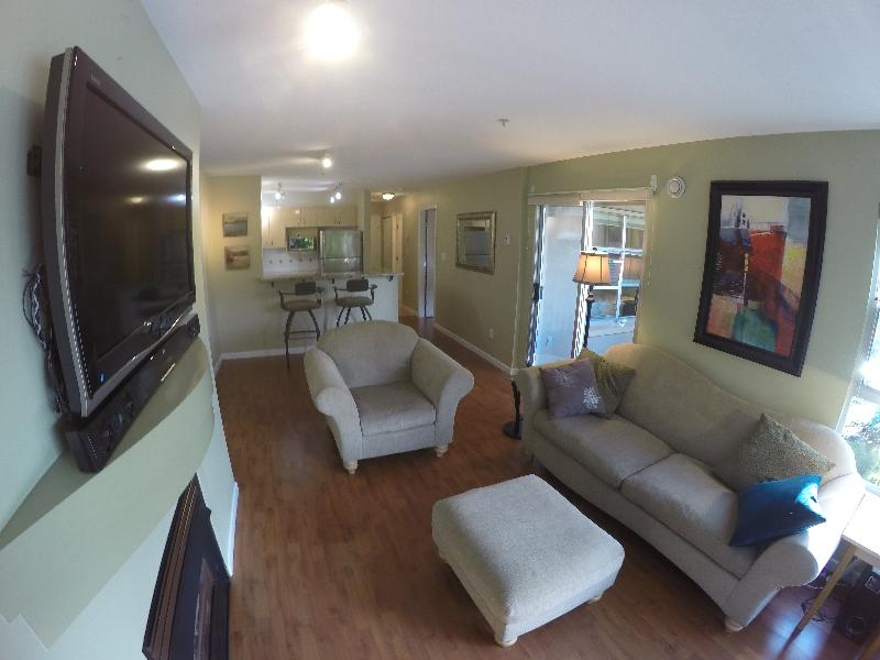 Photo Gallery For Fully Furnished One Bedroom Den Condo