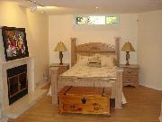 1 Bedroom Suite in House in Dunbar, Vancouver