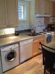 kitchen, washer/dryer