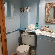 Shared Bathroom (Share with 1 to 2 others)
