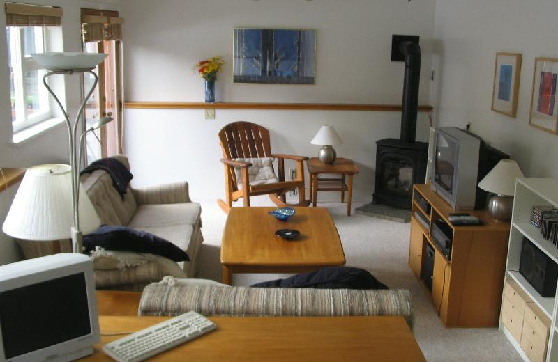 Photo Gallery For 2 Bedroom Suite In House In Dunbar Southlands